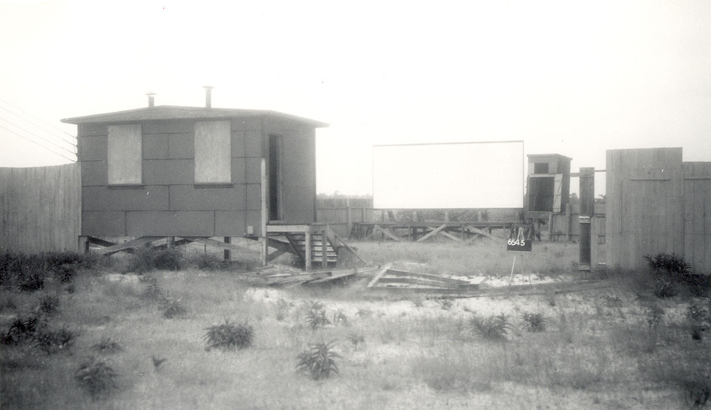 Theater__Building_6545.jpg